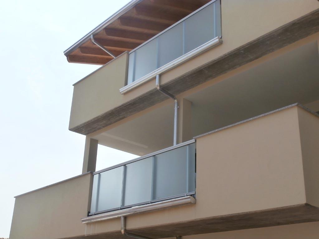 Balconi in vetro bergamo brescia milano for Clienti sinonimo