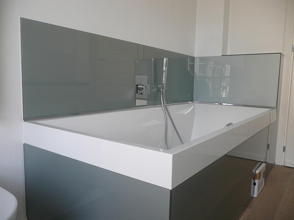 Rivestimenti e specchi in vetro bergamo brescia milano for Specchi bagno milano