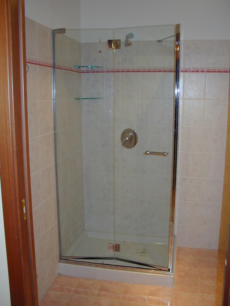 Box doccia su misura a Milano  Covea Vetri